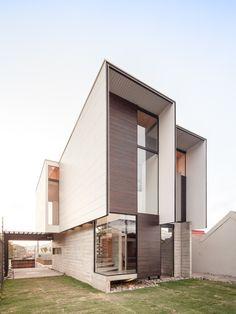 House in El Sesteo  / Arkosis
