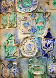 Farmacia, Genova, Italia Italian Romance, Italian Style, Iron Accessories, Genoa Italy, Art Ancien, Rustic Stone, Tuscan Style, Shabby Vintage, Middle Ages