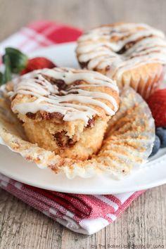 Coffee Cake Cupcakes with Brown Butter Glaze - YUM! { lilluna.com }