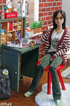 Charley in Charge: Urban Living on a Budget - like this cute casual look ( love those shoes!)