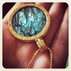 Mi Moneda Roca Green Nice Jewelry, Opals, Bobs, Passion For Fashion, Sparkles, Bracelet Watch, Jewerly, Fashion Beauty, Fashion Inspiration