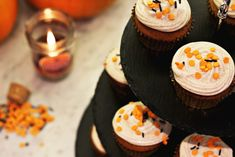 Zoella   Pumpkin Spiced Cupcakes with Cinnamon Cream Cheese Frosting
