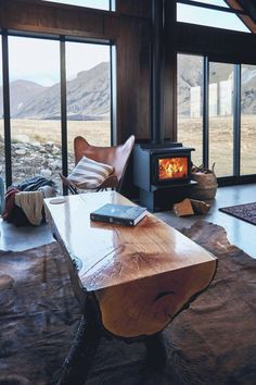 High Country Cabin is a remote, stylishly decorated cabin in the heart of the Southern Alps on the South Island of New Zealand. Cozy Cabin, Cozy House, Cabin Design, House Design, Building A Small Cabin, Cabin Fireplace, Nature Sauvage, Cabin Homes, Cabins In The Woods