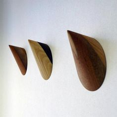 whyte wallhook 01 curatedmag Limpet Wall Hooks designed by Kirsty Whyte Wooden Coat Hooks, Wooden Wall Hooks, Wooden Walls, Ceramic Design, Wood Design, Shop Fittings, Coat Stands, Room Accessories, Wood Turning