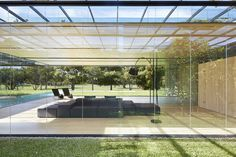 Inout House is a modern and luxury villa was designed by Joan Puigcorbé that establishes an uninterrupted inside and outside relationship San Jose, Home Interior Design, Interior And Exterior, Costa Rica, Patio Design, House Design, Garden Design, Open Concept Home, Modern Pools