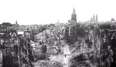 Caen 1944 ; Rue Saint Pierre, photo prise de la tour de l'église Saint Pierre. De gauche à droite les clochers de: Notre Dame de la Gloriette, le vieux Saint Etienne, Saint Sauveur et Saint Etienne.