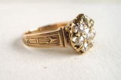 Diamond Cluster Antique Engagement Ring or Right-Hand Ring in 18k Gold with Arrow Design, 1ct cttw
