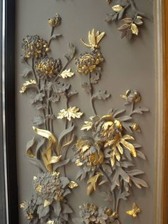 Concrete dipped flowers and leaves with some sprayed and gilded Plaster Art, Plaster Walls, Clay Wall Art, Clay Art, Sculpture Painting, Wall Sculptures, Mural Art, Wall Murals, Art Walls