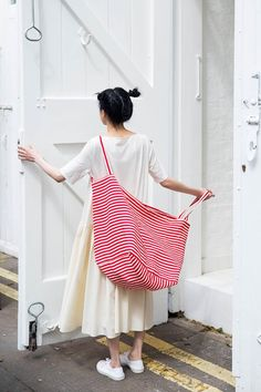 stripe - ABSOLUTELY LOVE THE GIANT TOTE!! - ABSOLUTELY LOVE THE GORGEOUS DRESS!! - FABULOUS!!