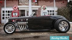 Visit The MACHINE Shop Café... (Perfect Designed 1932 Ford Roadster by Kindig It Design)