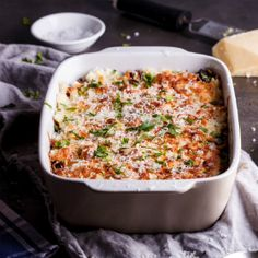 Pap layered with peppers & mushrooms - perfect for a Braai. Braai Recipes, Cooking Recipes, Most Popular Recipes, Favorite Recipes, South African Recipes, Ethnic Recipes, Cooking Instructions, Stuffed Green Peppers, Recipe Collection