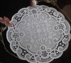 """12"""" WHITE PAPER BRIDAL FRENCH LACE DOILIES 25 PCS  USA  ROUND CRAFT place mat #MADEINUSA"""