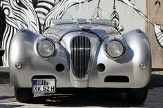Gorgeous Jaguar XK 120 Roadster and I don't even like jaguars...