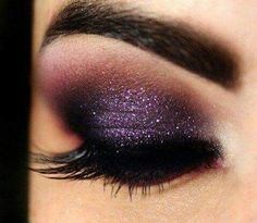 Sparkly dark purple smokey eye (tip: this is a perfect evening and new years eve look)