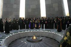 Una comisión estatal presentó este domingo en Ereván el programa de las actividades con motivo de la conmemoración del centenario del genocidio armenio.