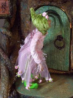 Rosebud Faeries - green hood