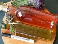 Vyrobte si malé domácí poklady zlevandule Fruit Tea, Nordic Interior, Beverages, Drinks, Herbal Tea, Kraut, Whiskey Bottle, Natural Remedies, Herbalism