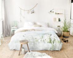 Dekbedovertrek Paardenbloemen | Summer morning meadow | SCENT OF NATURE    Niets is zo lekker om na een lange en vermoeiende dag heerlijk te kunnen slapen onder een zacht dekbedovertrek.   Haal de natuur in uw slaapkamer met Scent of Nature! De mooiste de - € 79,95