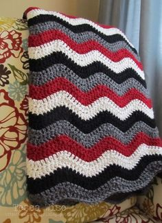 Click the image to view more about Alabama Crochet Afghan Pattern! Chevron Crochet, Crochet Ripple, Manta Crochet, Free Crochet, Crochet Baby, Knit Crochet, Ripple Afghan, Diy Afghan, Chevron Afghan