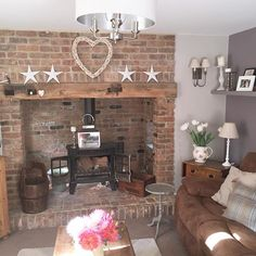 Shabby and Charme: Il cottage di Sally in Cornovaglia – fantastic room avesome Small Living Rooms, Home Living Room, Living Area, Style At Home, Country Cottage Interiors, Country Homes, Cottage Style, Country Style, Home Fireplace