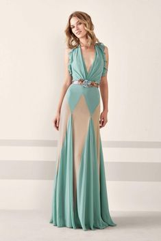 Pronovias 2019 Evening Dress Gowns Green Long Sleeveless Deep V-neck Frilly Sleeve Color Blocky - Style Evening Dresses Corsage, Beautiful Gowns, Beautiful Outfits, Elegant Dresses, Pretty Dresses, Black Cocktail Dress, Cocktail Dresses, The Dress, Dress To Impress