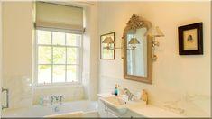 otthonos fürdőszobaberendezés (Luxuslakás 7) Corner Bathtub, Alcove, Bathroom, Mirror, Furniture, Vintage, Design, Home Decor, Washroom