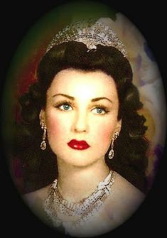 Princess Fawzia, first wife of the Shah of Iran, sister of King Farouk of Egypt. She is wearing her magnificent double tier diamond tiara. Fawzia Fuad Of Egypt, Turkish Beauty, Egyptian Beauty, Royal Jewelry, Royal House, Prince And Princess, Famous Women, Timeless Beauty, King Queen