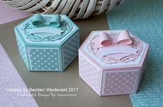 Bemmel goes Stampin': Baby-kadoverpakkingen Gift Card Boxes, Cute Gift Boxes, Hexagon Box, Tonic Cards, Pretty Box, Explosion Box, Jaba, Baby Cards, Craft Items