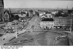 1932 Blick ueber den Alexanderplatz in die Landsberger Strasse,links die Georgenkirche