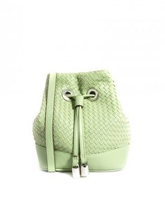 Bucket Bags You Need This Spring | theglitterguide.com
