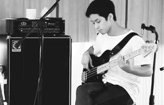 For the cutest bassist in the whole world 너무 너무 좋아해 ♥♡♥