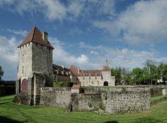 | ♕ | Château Epoisses - Côte d'Or Epoisses, France, Monuments, Palace, Scotland, England, Europe, House Styles, Castles