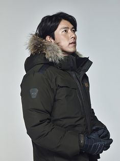 Hyun Bin Looks Sexy and Realistically Grizzled in Latest Fall/Winter Outdoor Wear Ads Hyun Bin, Bangs With Medium Hair, Medium Hair Styles, Korean Celebrities, Korean Actors, Kdrama, Daddy Long, G Man, Man Character