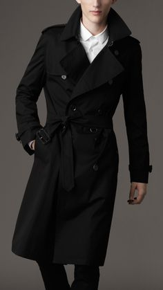 trench coat Classic Trench Coat, Trench Coat Men, Burberry Trench Coat, Burberry Jacket, Tweed Overcoat, Black Overcoat, Black Coats, Crombie Coat, Blazer Pattern