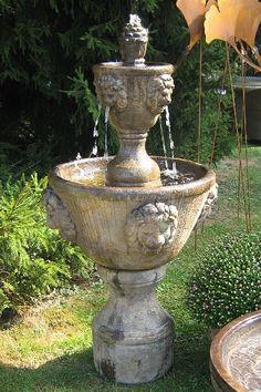 Brunnen Mit 8 Löwenköpfen BR0020. Fountain