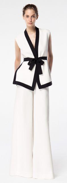 Carolina Herrera '16#fashion #rtw #ss16 #style #trends #forecast #design #details #luxury #details #texture #textiles #designers #fashionweek