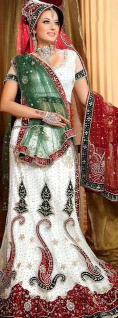 Gujarati Panetar sarees for brides is made up of white, red, and green colours. It can be either simple or heavily worked with intricate embroidery.  When it comes to marriages, ethnicity is the key! Isn't it?  #Bridal #Wear #Wedding #Ceremonies