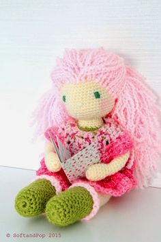 Serial Crocheteuses #263 www.softandpop.blogspot.fr ♥ A nice book for my #crochet doll ♥