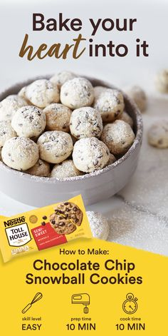 These Mini Chip Snowball Cookies using Nestle Toll House Semi-Sweet Chocolate Mini Morsels are the perfect holiday dessert! Beat together the butter, sugar, vanilla extract and salt until creamy. Köstliche Desserts, Holiday Baking, Christmas Desserts, Christmas Baking, Delicious Desserts, Dessert Recipes, Holiday Fun, Macaroons Christmas, Jewish Desserts