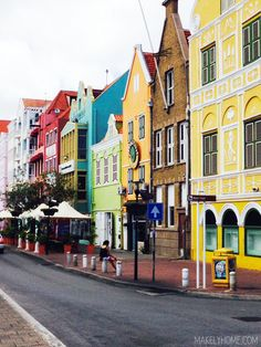 Curaçao - Color Palettes Inspired by the Southern Carribean