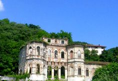 The photo of the haunted Italian Castle - the ghost is normally at the top windows! can you see it?
