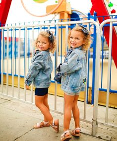 """Jaelynn & Angelina Bader on Instagram: """"I see you Fri-Yay! Hey girl haaay!😆🎡 @teddiehartphotography  What's everyone up to this weekend? We are going somewhere fun tomorrow, can…"""" Baby Drawing, Hey Girl, Child Models, See You, Twins, Fun, Instagram, Twin, Gemini"""