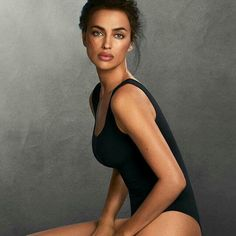Don't miss all the new fits! More through the link in bio and in our stores. Irena Shayk, Irina Shayk Style, Model Foto, Russian Models, Bradley Cooper, Celebs, Celebrities, Photography Poses, Fitness Fashion