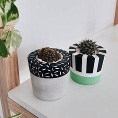 Cement Planters, Concrete Pots, Concrete Crafts, Diy Planters, Decoration Plante, Painted Flower Pots, House Plants Decor, Diy Plant Stand, Emo Quotes