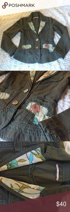 Buffalo David Bitton Blazer Joice Size XS This is so adorable! Buffalo by David Bitton. Olive green blazer with light blue stitching and floral detail. Super cute wood buttons. Size extra small, 100% cotton. This is very lightweight and in excellent Worn condition. Buffalo Jackets & Coats Blazers
