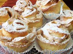 """מתכון עוגיות שושנים וניל, עוגיות שושנים בטעם וניל בהכנה ביתית קלה - עוגיות נפלאות לאירוח לסופ""""ש Cookie Desserts, Cookie Recipes, Dessert Recipes, Cookie Cakes, Food Cakes, How To Make Cake, Food To Make, Rose Cookies, Cookie Dough Truffles"""