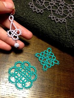 Tatting Necklace, Tatting Jewelry, Tatting Lace, Shuttle Tatting Patterns, Tatting Patterns Free, Crochet Patterns, Needle Tatting Tutorial, Unique Tattoo Designs, Crochet Butterfly