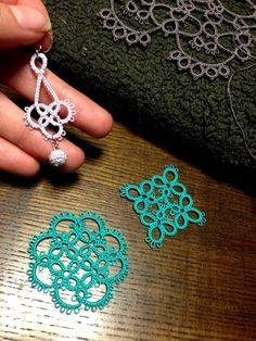 Tatting Necklace, Tatting Jewelry, Thread Jewellery, Tatting Lace, Shuttle Tatting Patterns, Needle Tatting Patterns, Crochet Patterns, Needle Tatting Tutorial, Unique Tattoo Designs