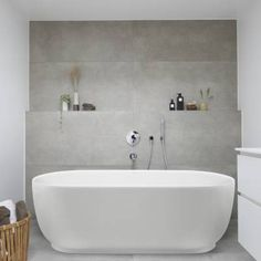 Bad Inspiration, Bathroom Inspiration, Bathroom Ideas, Duravit, Large Tub, Future House, Toilet, Bathtub, Bathrooms
