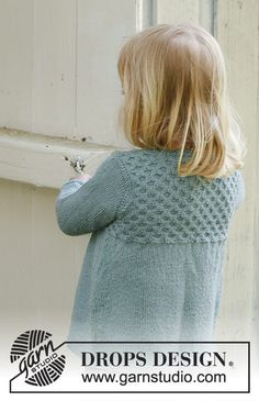 My honey / DROPS Children - Free knitting patterns by DROPS Design, My honey / DROPS Children - Patterned jacket with honey basket pattern in DROPS Alpaca for children. Size 3 to 12 years. Baby Knitting Patterns, Free Baby Patterns, Baby Cardigan Knitting Pattern Free, Knitted Baby Cardigan, Knitting For Kids, Free Knitting, Drops Design, Girls Sweaters, Honey Drops